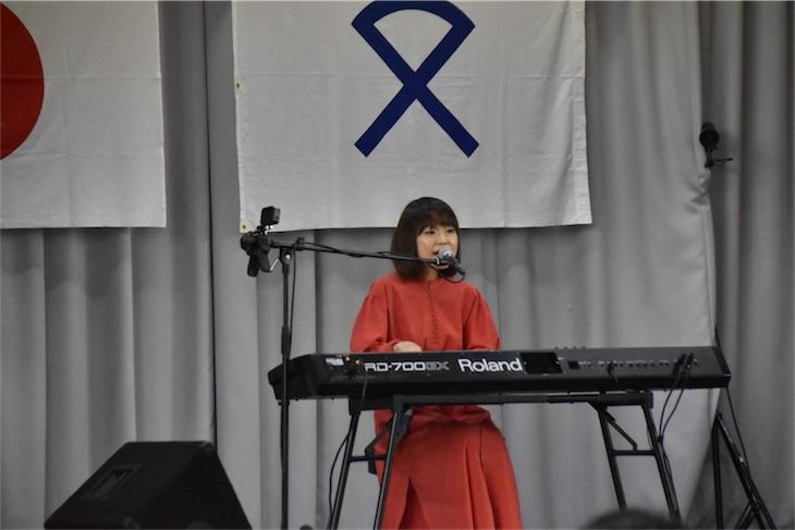 川嶋あい、島根県の中学校閉校式で400名を前にサプライズライブを開催!CDTVスペシャルにて放送も決定!