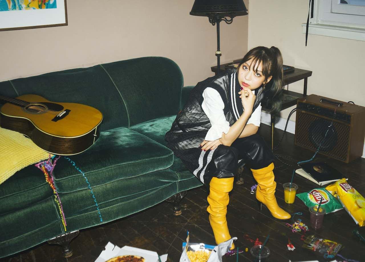 竹内アンナ、隔週セルフカバー配信企画ラストは「Love Your Love -Acoustic Motion-」。デビュー日には10ヶ月ぶりに新曲をリリース!