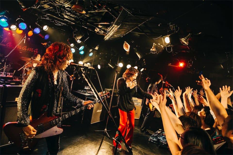 THE YELLOW MONKEY、聖地La.mamaでのプライベートギグにてデビューシングル含む6曲を披露!