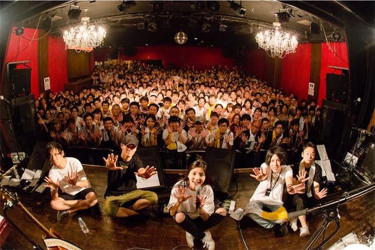 植田真梨恵、活動10年記念ライブで はじめての弾き語りワンマンツアー発表!